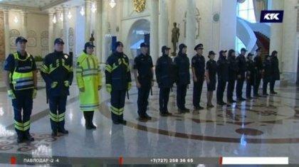 Қасымов полицейлердің жаңа формаларын көрсетті