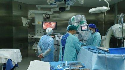 «Мұндай операция әлемде алғаш рет жасалды»: 480 күн ес-түссіз жатқан бала есін жияды