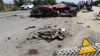 «Жеңіл көліктің түгі қалмаған»: Алматы-Бішкек тас жолындағы жол апатынан 5 адам қайтыс болды