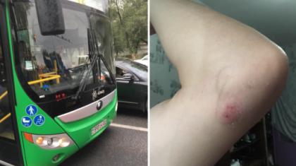 Алматыда автобус велосипедшіні сүйреп кеткен (ВИДЕО)