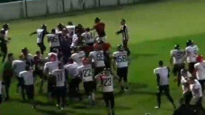 Қазақ және грузин футболшыларының арасында күтпеген төбелес болды (ВИДЕО)