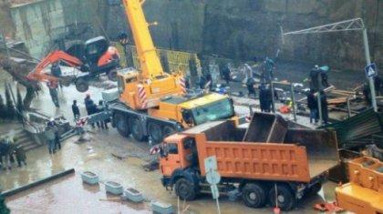 Метро құрылысы жерге опырылып, 5 адам қайтыс болды (ВИДЕО)