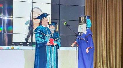 Қазақстанда дипломды түлектердің орнына роботтарға табыстады