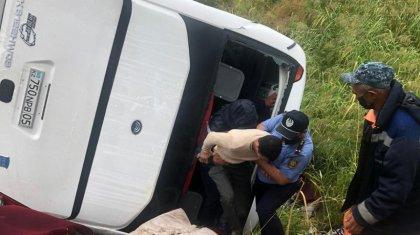 Түркістанда жолаушылар автобусы аударылып қалды: зардап шеккендер бар