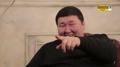 Әнші Жасұлан Базарбаев қызына тізерлеп ұсыныс жасайтын жігіттерді сынап тастады (ВИДЕО)