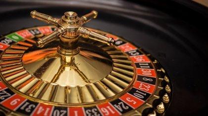 Жалдамалы пәтерде ашылған казиноға арнайы жасақ басып кірді