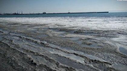 Каспий теңізін мұз басты (ВИДЕО)