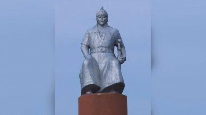 Меркі тұрғындары Хан Кененің ескерткішін бұзбақшы