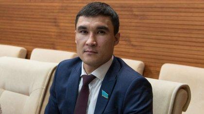 «Спортта қаламын»: Сәпиев министрліктен кетуі туралы пікір білдірді