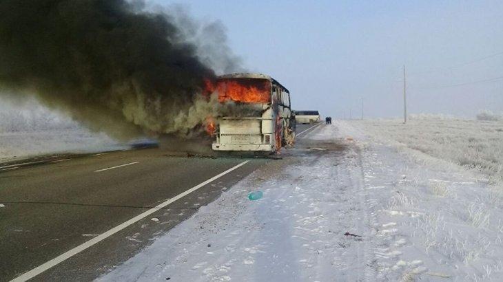 Ақтөбеде 52 жолаушысы тірідей жанып кеткен автобус жүргізушісі өрттің төбелестен кейін тұтанғанын айтты