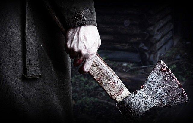 Қызылордада ер адам келіншегін балтамен қан-жоса қып, ауруханадан бір-ақ шығарды