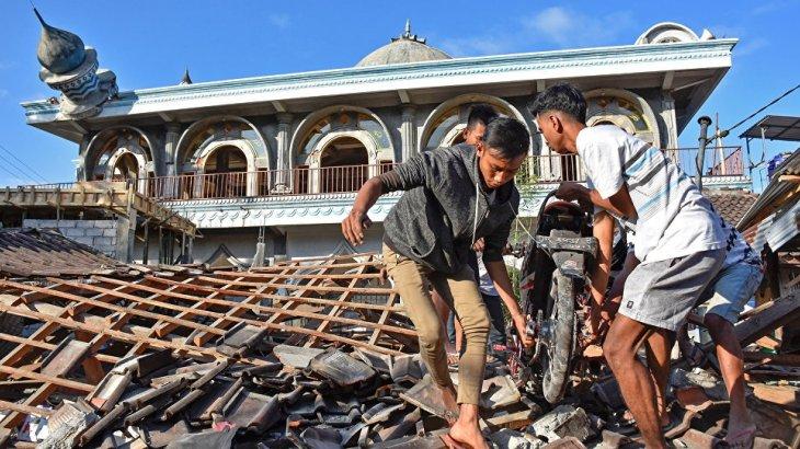 Индонезияда болған жер сілкінісінен 2 мыңнан астам адам қаза тапты (ВИДЕО)