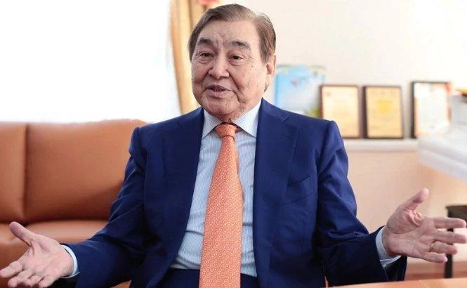 Ескендір Хасанғалиев өзі туралы жалған ақпарат таратқан басылымды сотқа беретінін айтты
