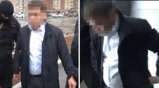 Астана әуежайының кеден басшысы зергерлік бұйымдар контрабандасымен ұсталды (ВИДЕО)