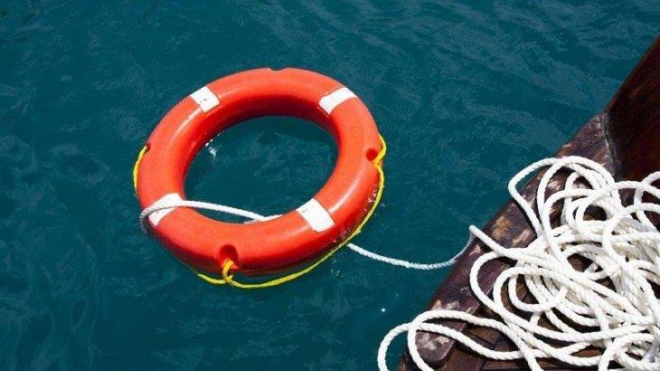 Көкшетауда 17 жастағы бозбала мұзды суға батып бара жатқан оқушыны құтқарып алды (ВИДЕО)