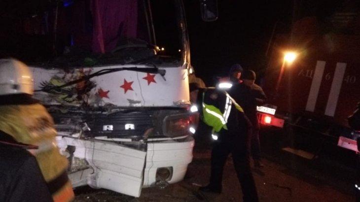 «3 адам мерт болды, 39 жолаушы ауруханада»: Қызылордаға жақын маңда ірі жол апаты болды (ВИДЕО)