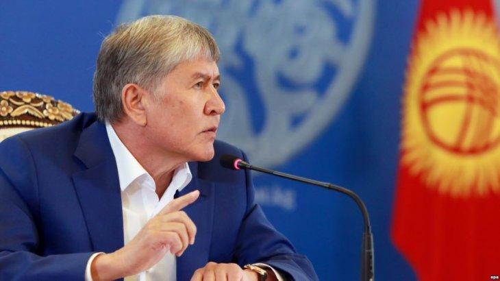 Алмазбек Атамбаев Қырғызстандағы былтырғы сайлаудың «былығын ашам» деп отыр