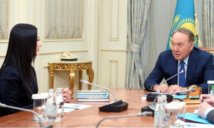 Назарбаев Нұрғиса Тілендиевтің қызымен кездесті