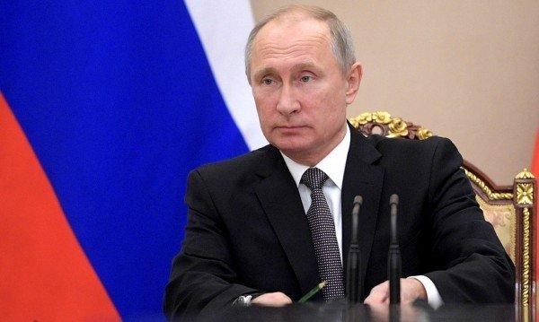 Ресей халқының 61 пайызы елдегі проблемаларды Путиннен көреді