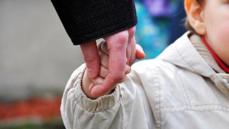 Астанада оқушы қызды 40 жастағы ер адам алып кетпекші болған (ВИДЕО)