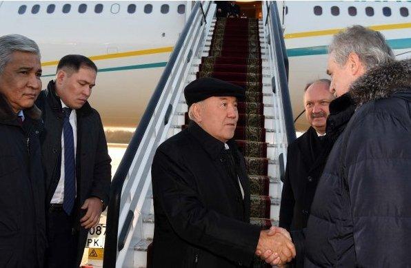 Назарбаев жұмыс сапарымен Санкт-Петербургке келді