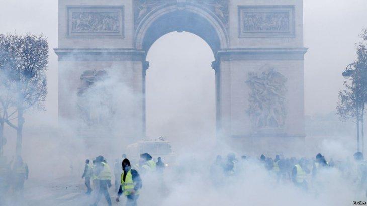 Париж билігі наразылыққа байланысты Эйфель мұнарасының уақытша жабылатынын мәлімдеді