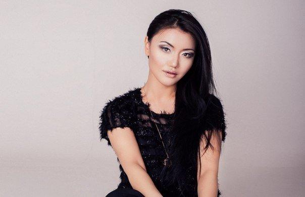«Бір киген нәрсемді қайтадан кимеймін»: Зарина Омароваға күйеуі 7 млн-ға тон алып берген