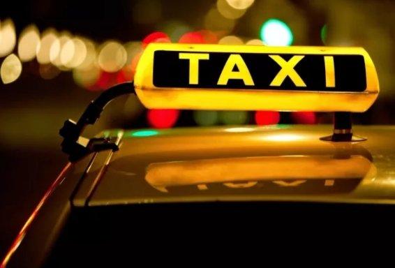 Қазақстандық такси жүргізушілері жолаушыларға чек беруге міндеттеледі