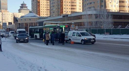 Астанада жолаушылар автобусы жаяу жүргіншілер жолағында бойжеткенді қағып кетті