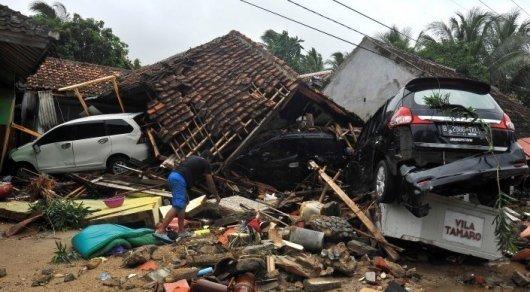 Индонезияда цунамиден қаза тапқандардың саны 370-ке жетті