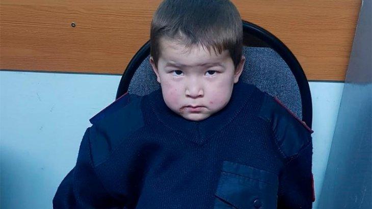 Астанада аязда жоғалып кеткен баланың ата-анасы табылды