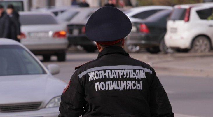 Астанада мас полицей жол апатын тудырды (ВИДЕО)