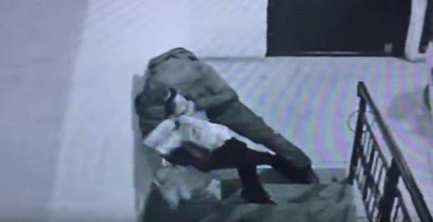 «Басынан тепті»: Алматы облысында ер адам подъезде әйелге шабуылдады (ВИДЕО)
