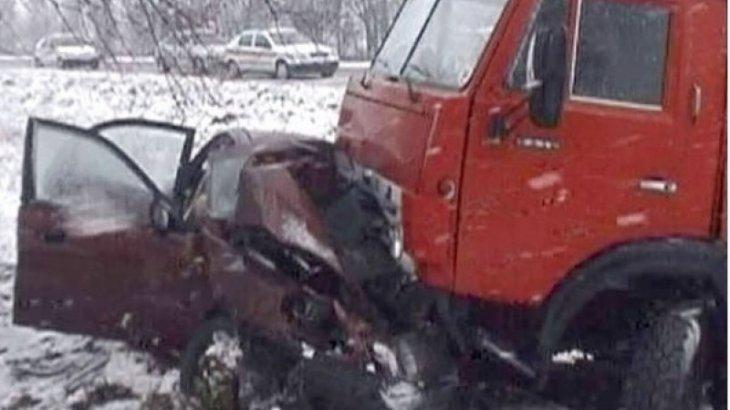 Қарағанды облысында жеңіл көлік КамАЗ-бен соқтығысып, 4 адам қаза тапты
