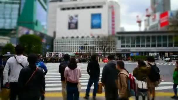 Токиода автомобиль бір топ адамды басып кетті