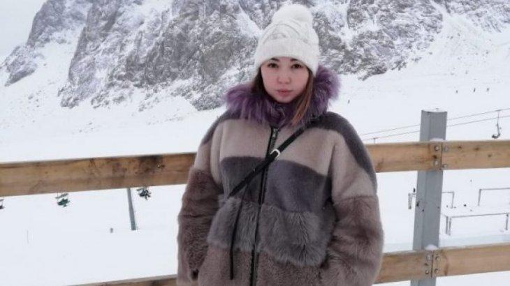 Қостанай облысынан келген бойжеткенді Астанада көлік қағып, белгісіз жерге алып кеткен