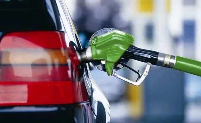 ҚР энергетика министрі  бензиннің арзандауын түсіндірді