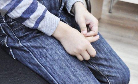 Тағы да Түркістанда: 13 жастағы жасөспірімнің анасы ұлының мектеп дәретханасында бірнеше рет зорланғанын айтты
