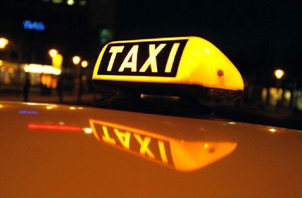 Қостанайда 10 жасар баланы такси көлігі қағып кетті