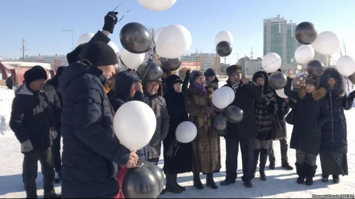 Ақтөбеліктер Астанадағы өрттен қаза тапқан 5 бүлдіршінді еске алды