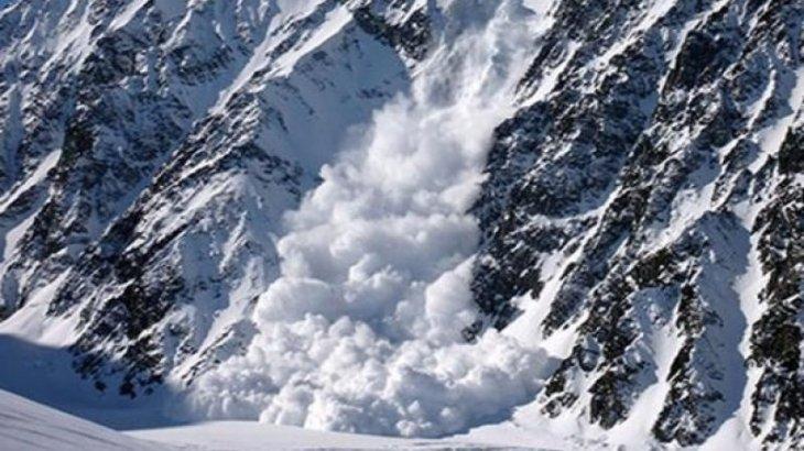 В горах близ Алматы сошли снежные лавины