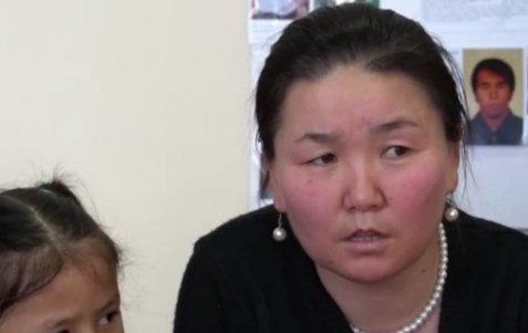 «Жылауға да болмайды»: Қытай лагерьінде болған қазақ әйел көрген қорлықтарын айтты