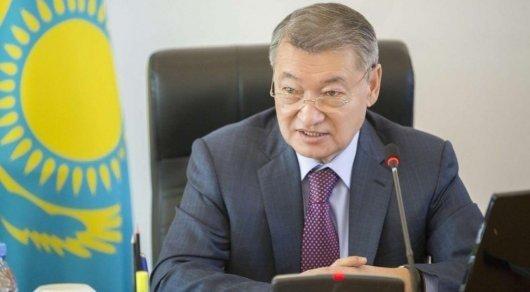 Даниал Аxметов предложил усилить поддержку многодетныx семей ВКО