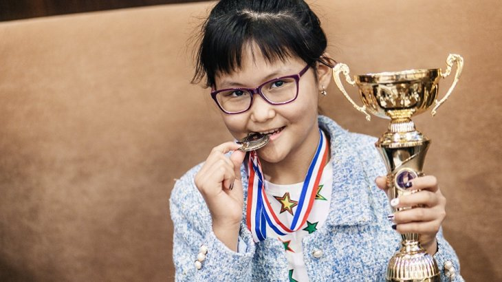 Шахматистка Бибисара Асаубаева вернулась в Казахстан