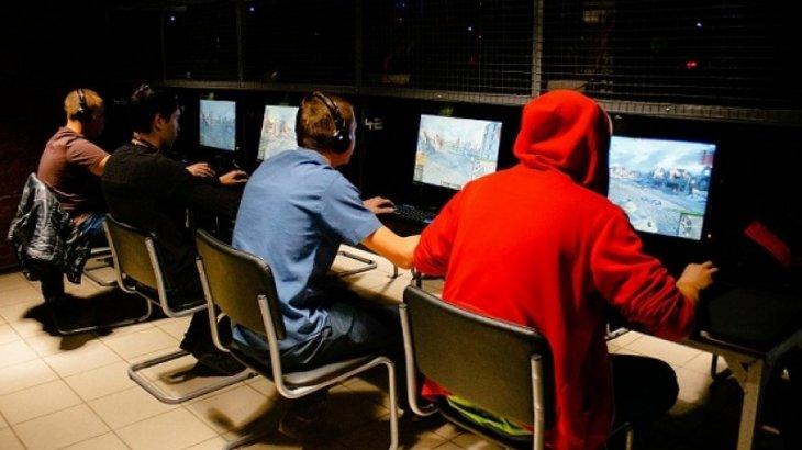 Полиция разыскивает мужчину, ворующего в компьютерных клубах в Астане