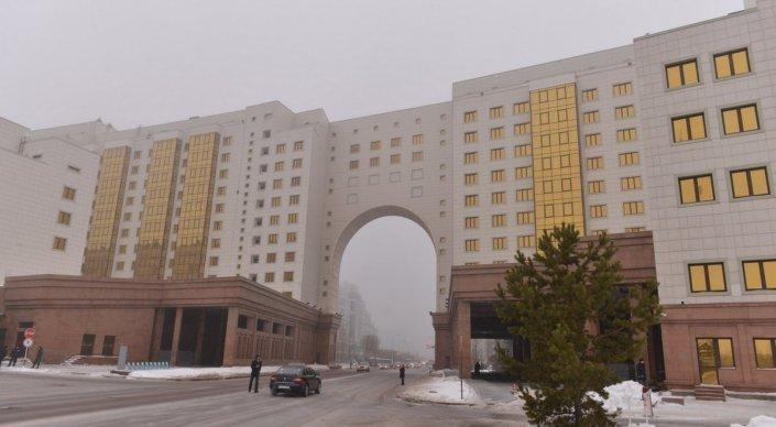Назарбаев Ақпарат және коммуникациялар министрлігін таратты