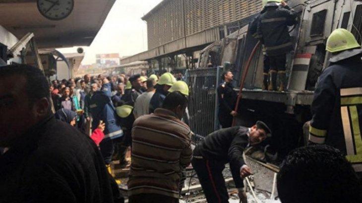 Каирде пойыз өртеніп, 24 адам қаза тапты