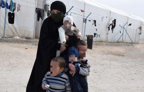 Сириядағы қазақ қызы: Еркектер алдымен үйленеді, содан соң әйелдерін сатып жібереді