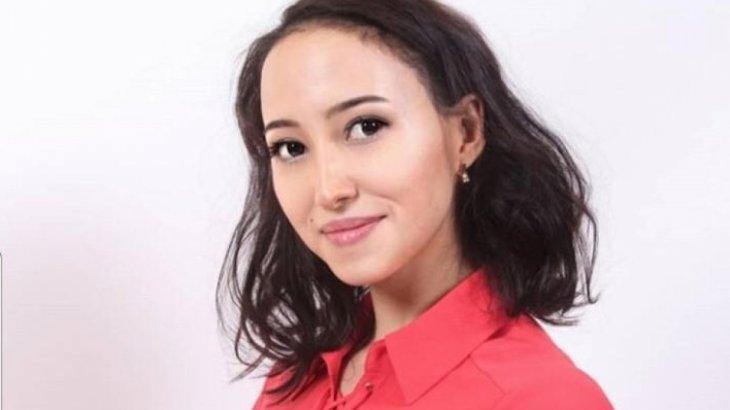 «Жабық киімдегі қызды пәк деп ойлайсың»: Алматылық ару хиджабтан неліктен бас тартқанын айтты