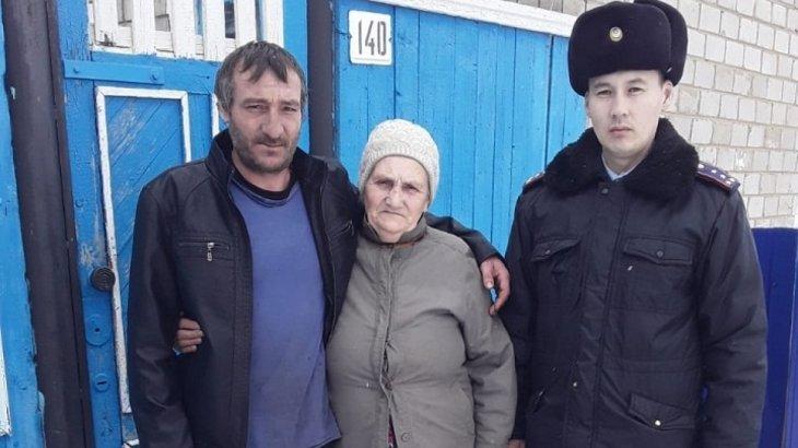Сельчанин заблудился в Павлодарской области, полицейский нашел его изможденным